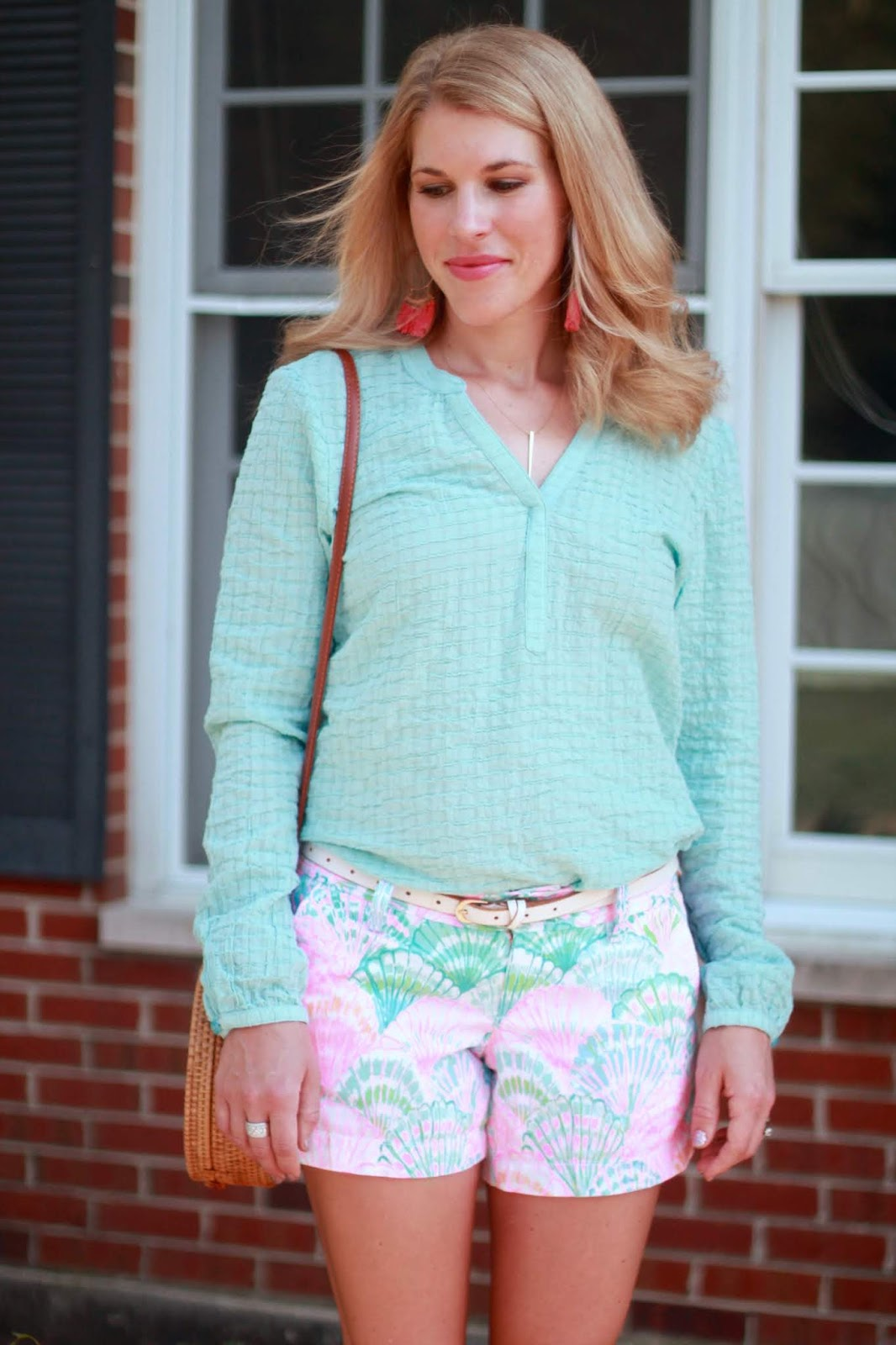 lilly pulitzer shorts, aventura tunic, suede wedges, straw bag