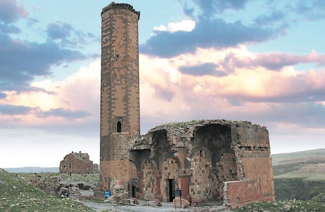 Turquía renovarán la mezquita Manuche de Ani