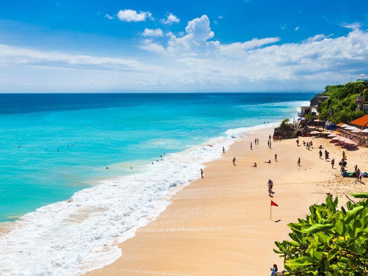 Кута и Юго-Западные пляжи Бали в Индонезии