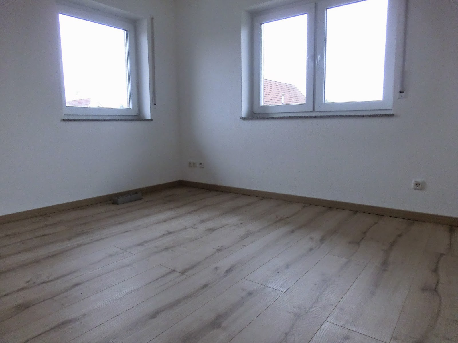 wir bauen unser traumhaus laminat wird verlegt bis zum. Black Bedroom Furniture Sets. Home Design Ideas