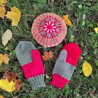 https://laukkumatka.blogspot.com/2019/10/vastavarirasat-colourblock-mittens.html
