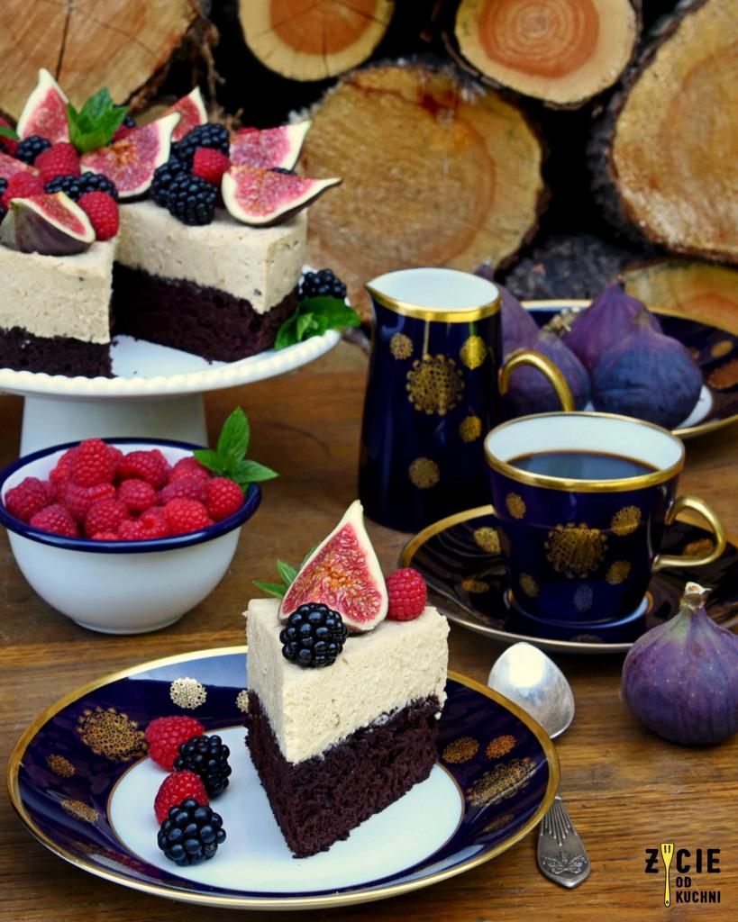 kawowy tort, kawowe ciasto, kawowy deser, swieto kawy, dzien kawy,deser kawowy, kawa, cafe panamera, tort kawowo czekoladowy, czekoladowy biszkopt, tort na talerzu, przepisy z kawa