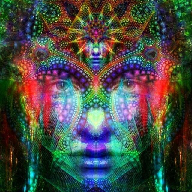 Resultado de imagen para mujer en el universo