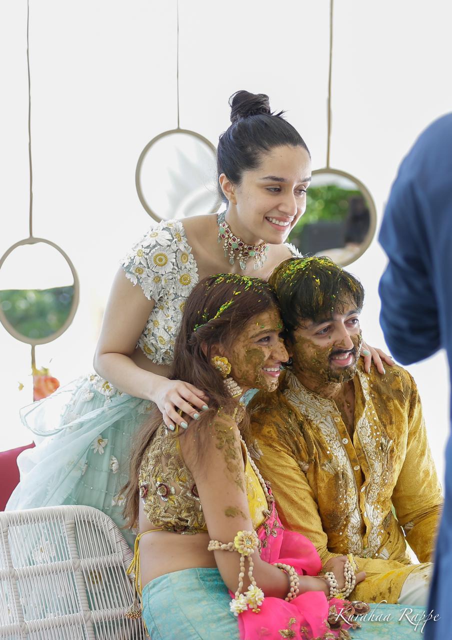 Actor Gossips: Shraddha Kapoor dons a turban, dances to dhol beats at cousin Priyaank Sharmas baarat