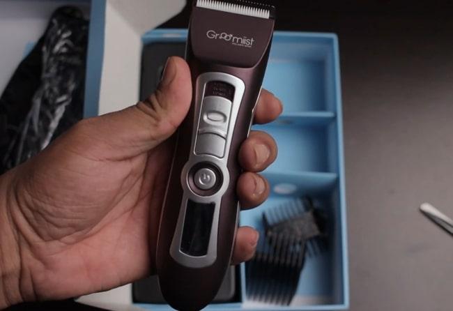 Groomiist PT-222 trimmer for men.