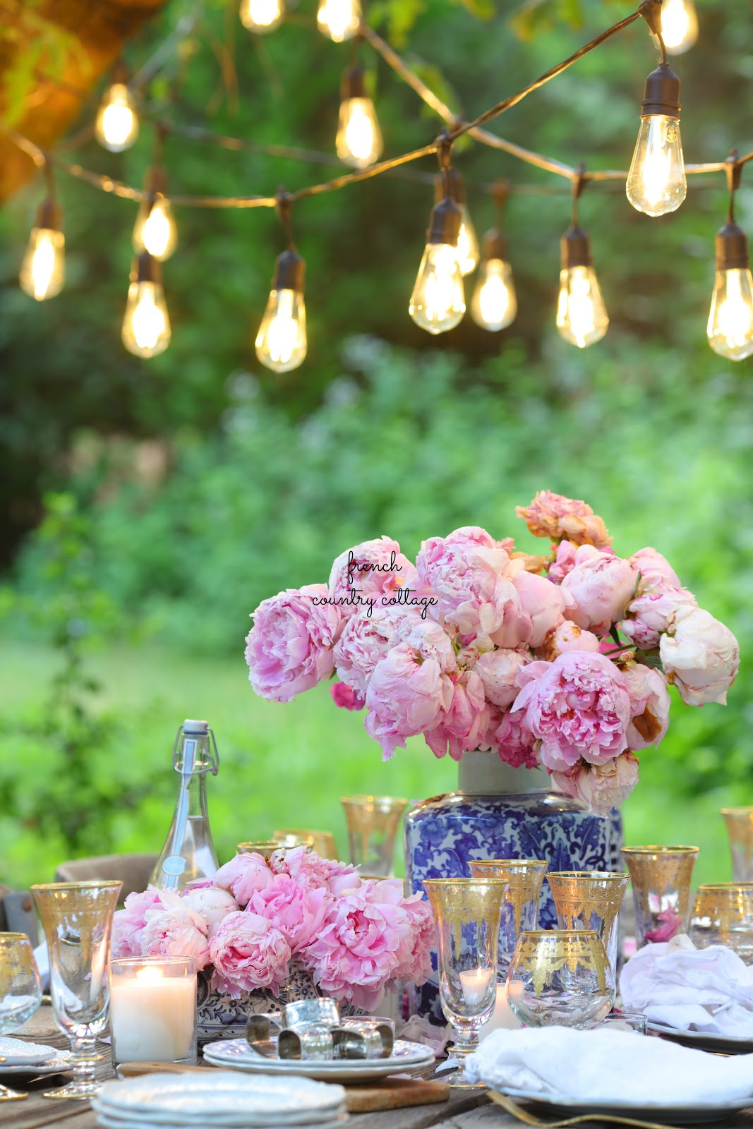 French Country Fridays- Blue, blush and gold on the table & Style Tips