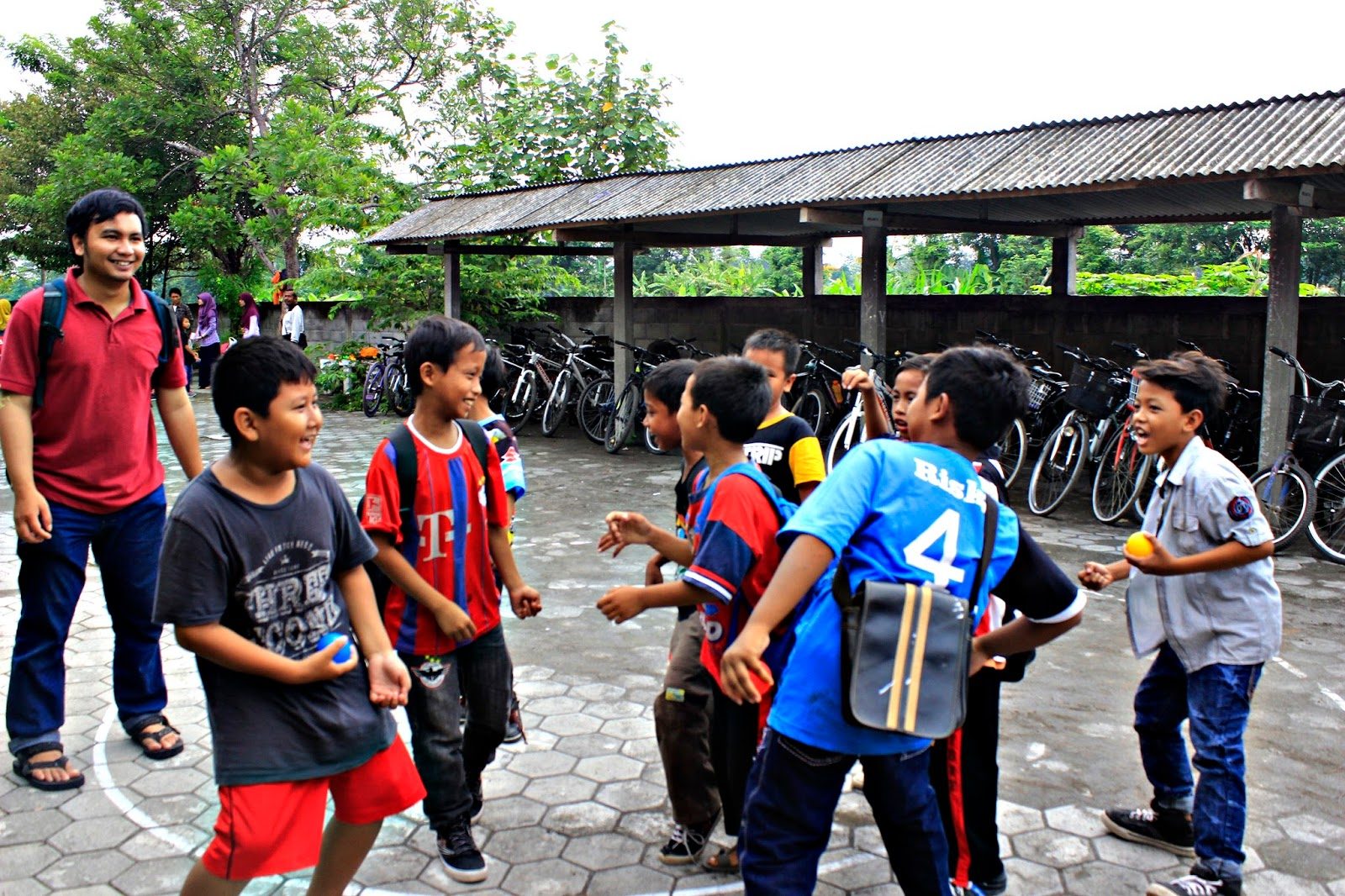 pos kendaraan sekolah berjalan book for mountain sd sribit bambanglipuro bantul