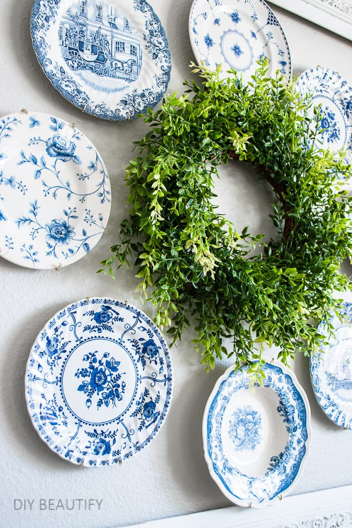 plate wreath with vintage dishes