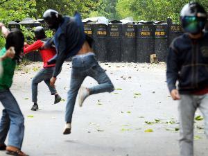 Tawuran antar warga Manggarai dan Menteng