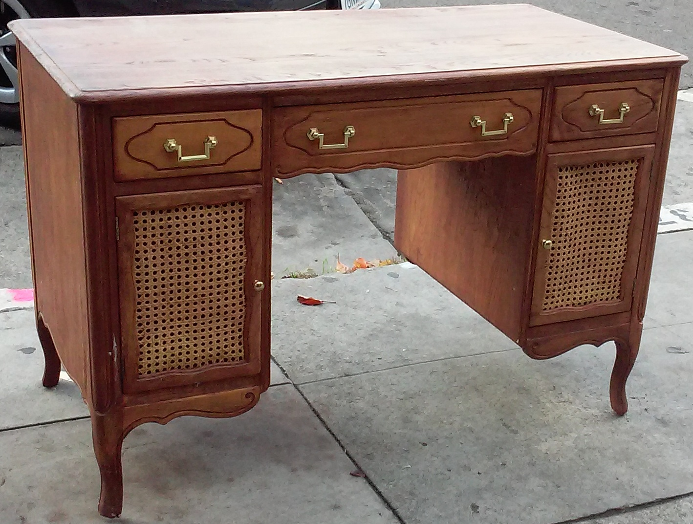 Uhuru furniture collectibles sold reduced tomlinson for Reduced furniture
