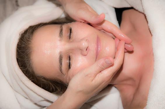 cara alami mengencangkan kulit