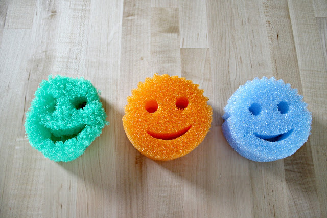 scrub daddy sponges