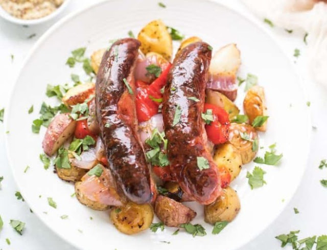 Sausage and Potatoes Sheet Pan Dinner #dinner #easy