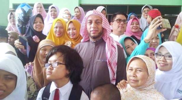 Kisah Syekh Ali Jaber Pilih Jadi WNI, Terungkap Sang Kakek Ternyata Kelahiran Jawa Tengah