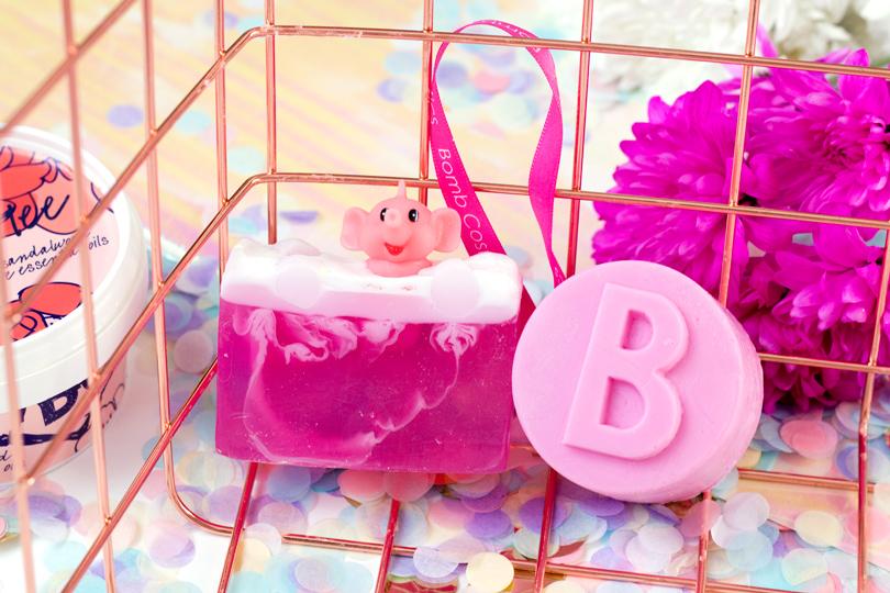 bomb cosmetics pink elephant lemonade soap