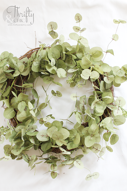 DIY Eucalyptus Wreath. How to make a spring wreath. DIY spring wreath tutorial. DIY farmhouse wreath