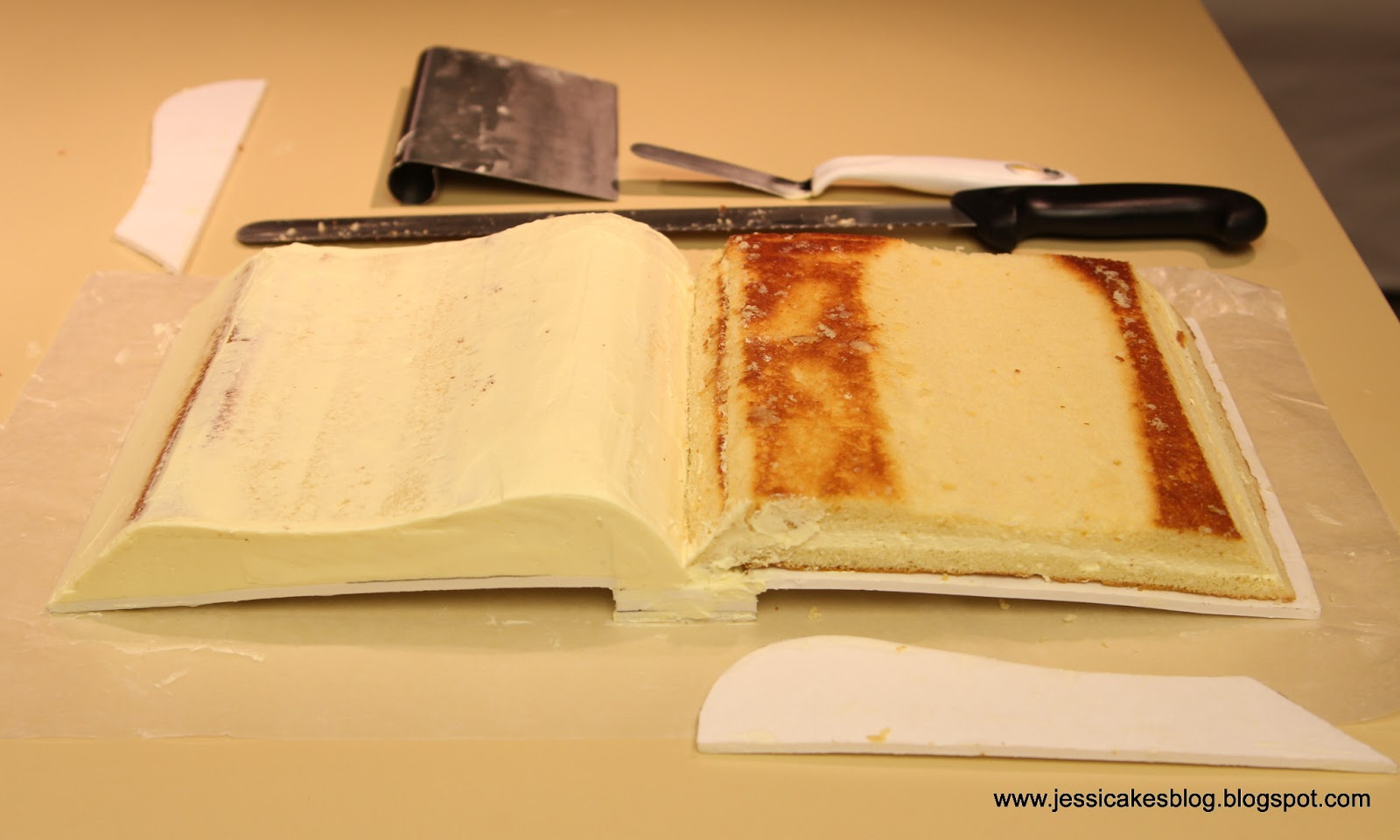 Open Bible Cake Tutorial