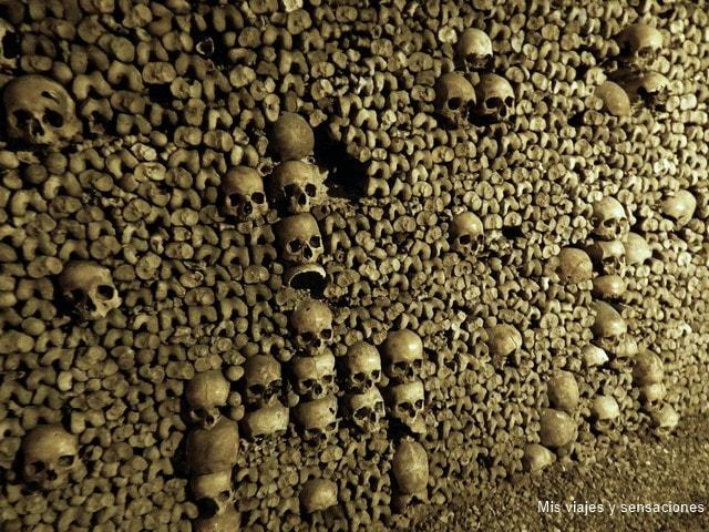 Osario de las Catacumbas de París, Francia