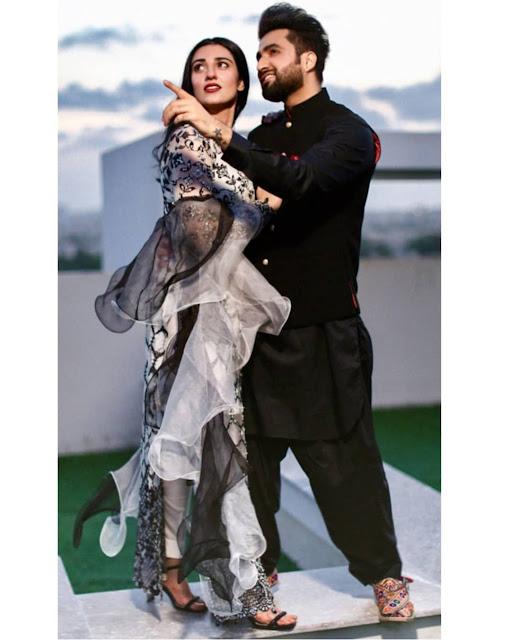 Sarah and Falak Gorgeous Photoshoot in Rainy Day