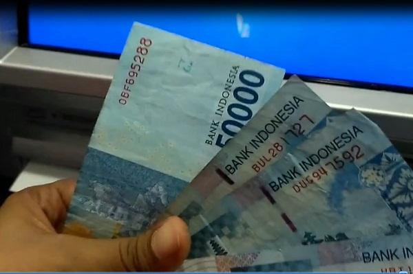 Mengambil Uang Lewat ATM BCA: Langkah Ketiga 4