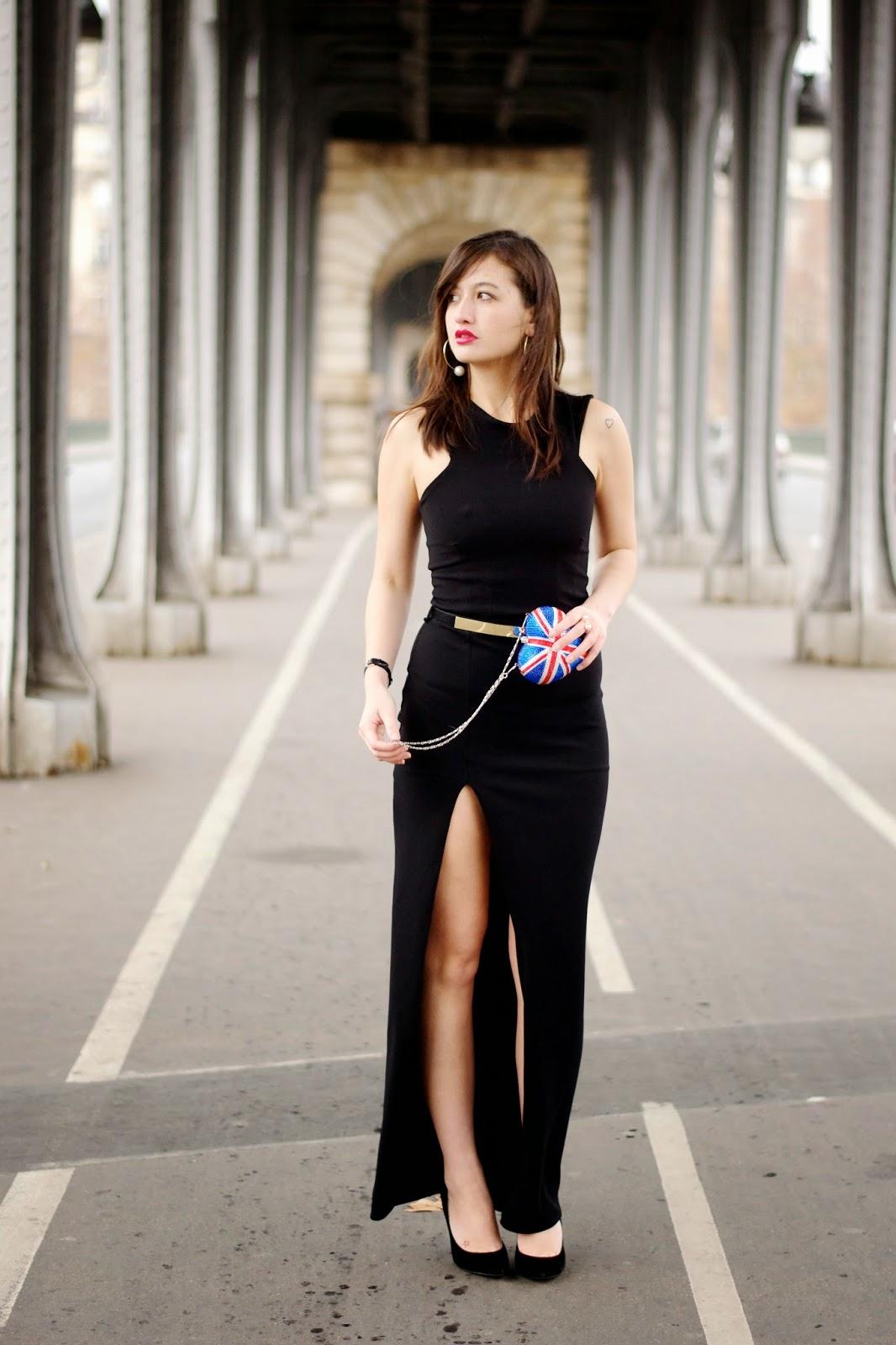 大腿高开叉连衣裙