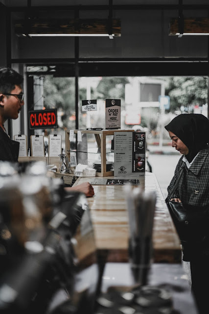 JANUS COFFEE & LIBRARY
