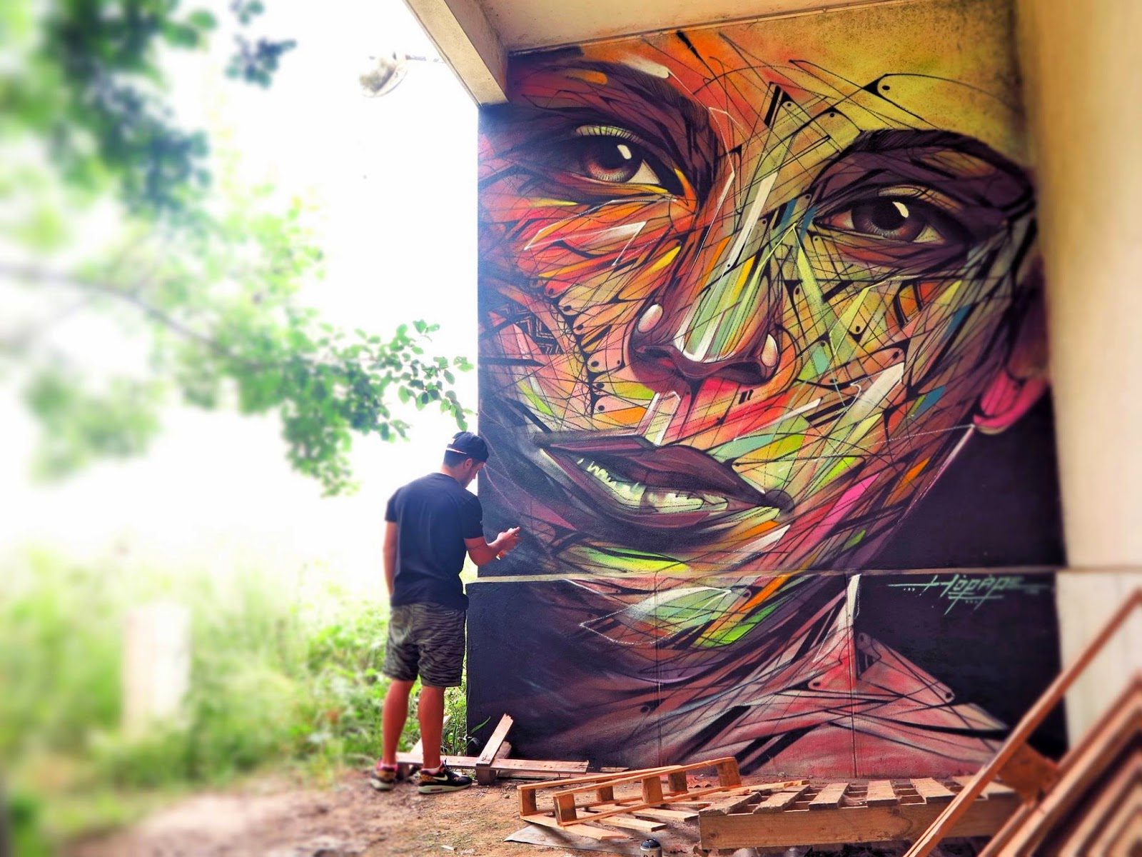 While we last heard from him in China earlier this month, Hopare is back in Europe where he just finished working on this new mural somewhere in Limours, a city in the Essonne department in northern France.