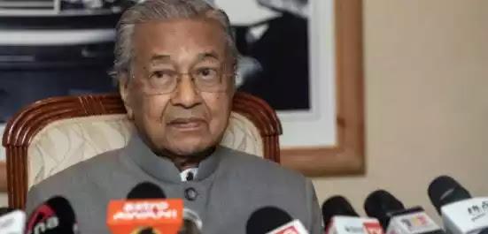 Πρώην πρωθυπουργός της Μαλαισίας: Δικαίωμα των μουσουλμάνων να σκοτώσουν εκατομμύρια Γάλλους