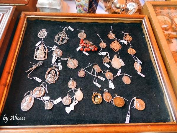 medalioane-feira-de-ladra-lisabona