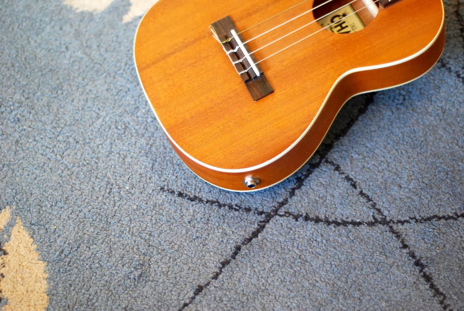 Ohana TKS-15E ukulele jack socket