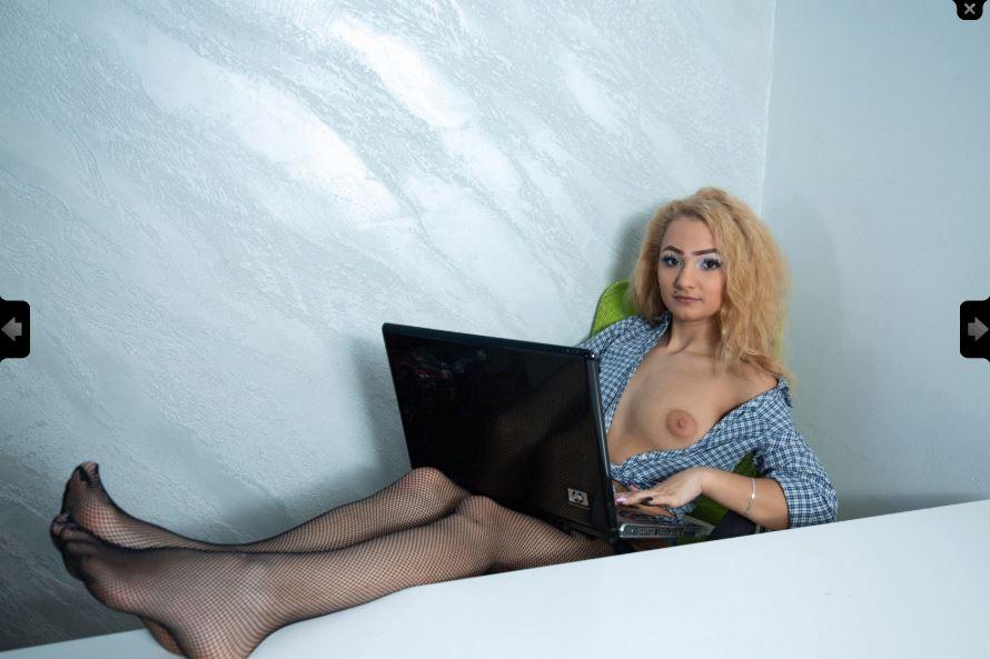 -- Simone Blue - I AM BACK -- Model Skype