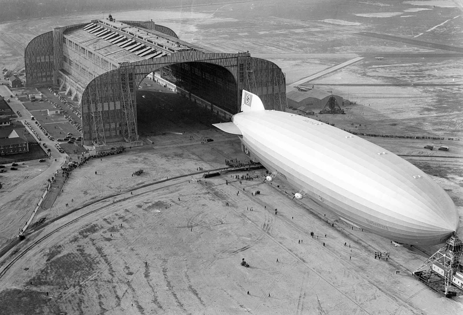 The Hindenburg Trundles Into The U S Navy Hangar Its Nose Hooked To The Mobile Mooring