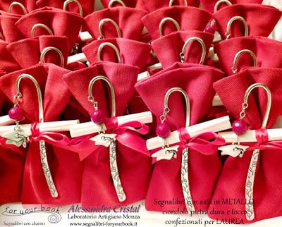 bomboniere laurea segnalibro metallo tocco rosso