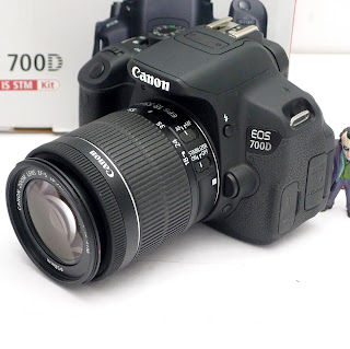 Kamera Canon 700D Lensa 18-55 IS STM