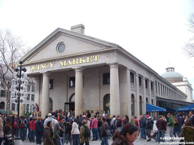 United States-Quincy Market in Boston, where you can eat, drink, play and historical sites.