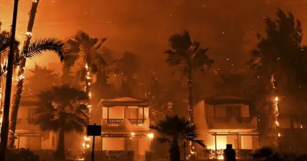 Απίστευτη πύρινη καταστροφή δίπλα από την βάση των πυροσβεστικών α/φ - Τοξικό νέφος «πνίγει» Αττική & Κορινθία!
