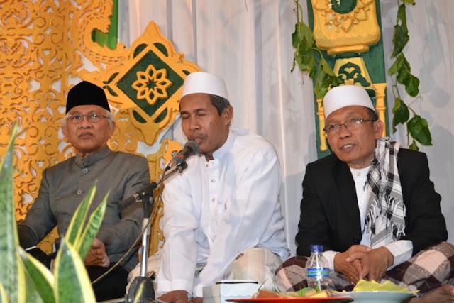 KH Marzuki Mustamar: Orang Yang Serakah Sama Saja dengan 'Bedes'