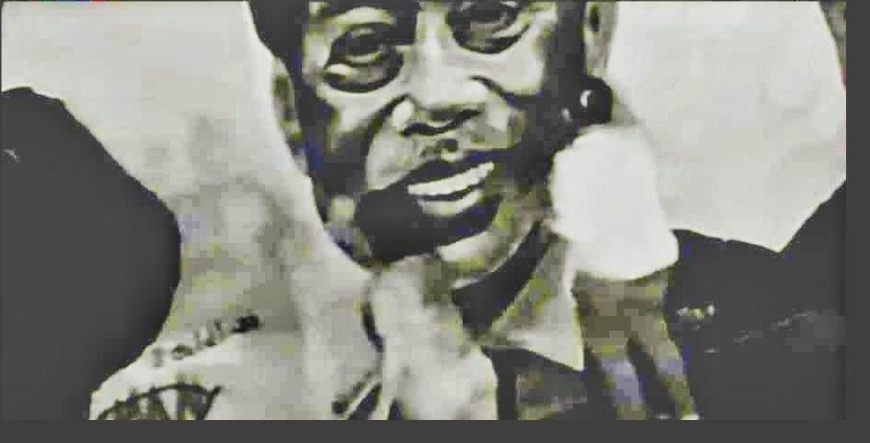 rakaman cctv lukisan mural diconteng wanita