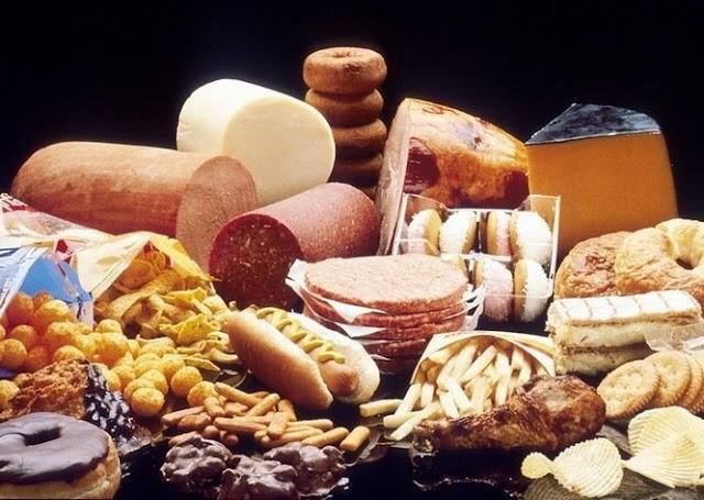 Bahaya Konsumsi Makanan Berlemak Secara Berlebihan (Cara Mengatasinya)