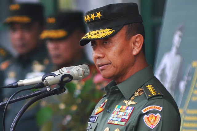 Jenderal Mulyono Serahkan Komando KSAD kepada Andika