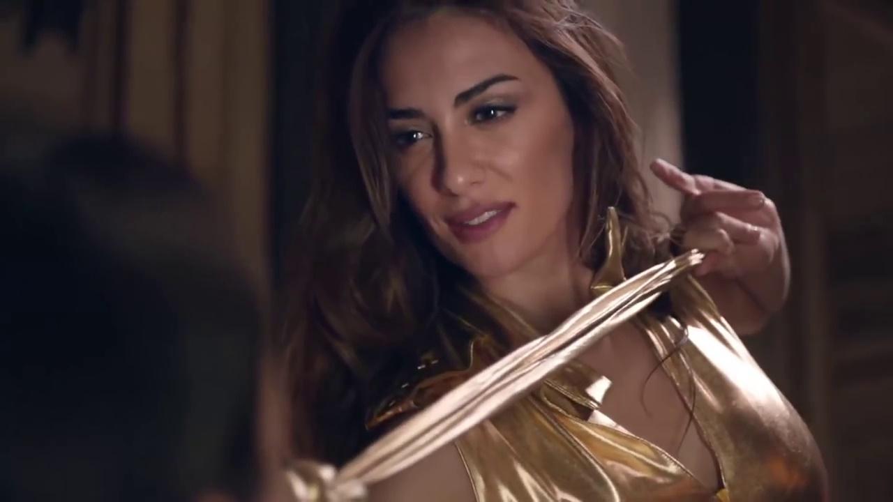 Le modelle della pubblicit la protagonista dello spot - La ragazza della porta accanto colonna sonora ...