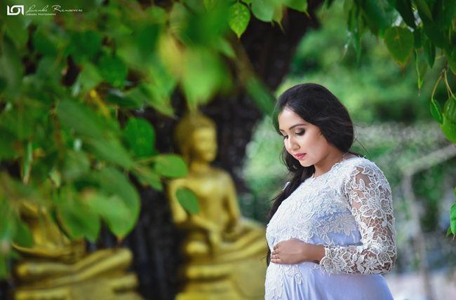 Ridma pilapitiya Roshan Pilapitiya pregnancy photo shoot 2