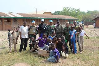 30 Prajurit TNI di Afrika Bantu Pembersihan Sekolah