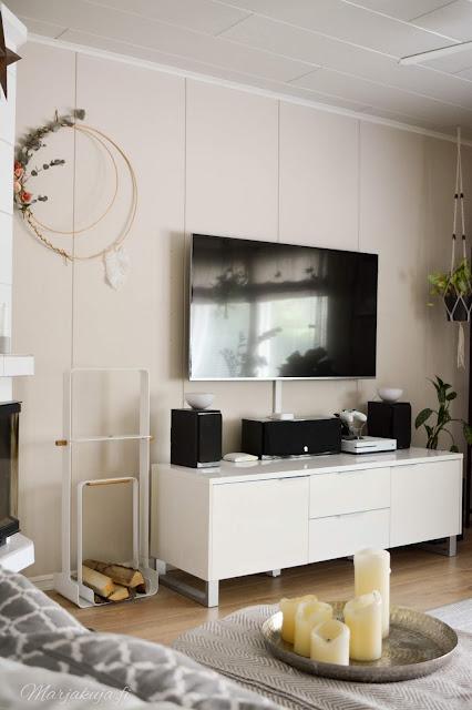 kirppis kirpputori kirppislöytö koti boheemi skandinaavinen persoonallinen kierrätys stala samsung tv olohuone