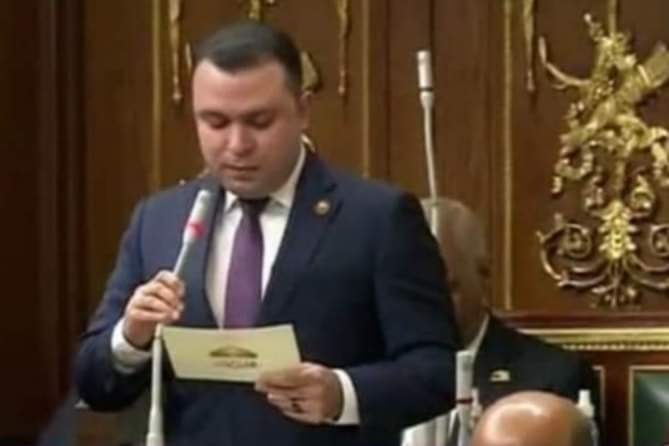 بأمر الشعب عمر جمال الغنيمى يؤدى اليمين الدستورية أمام البرلمان