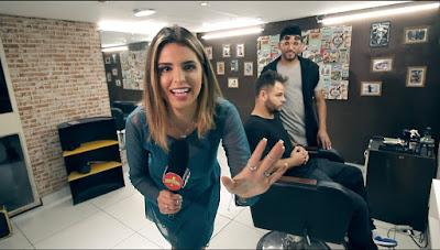 Mônica na barbearia - Divulgação/SBT
