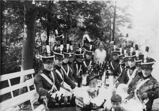 Die Bensheimer Bürgerwehr in Lindenfels 1931, Nachlass Joseph Stoll, Bild: Album Oald Bensem 0045, eingescannt Stoll-Berberich 2015