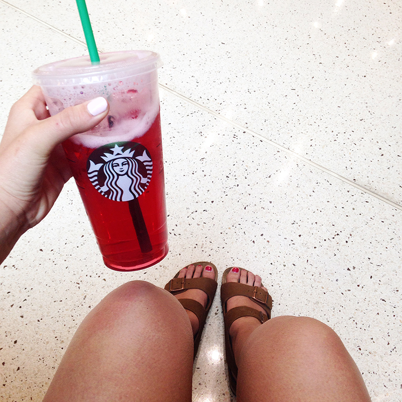 utah fashion blogger, birkenstocks, starbuck passion tea