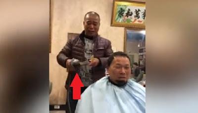 Tukang cukur gunakan mesin gerinda tangan