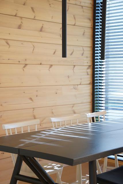 hakola woody ruokapöytä